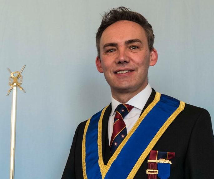 WBro Dr Simon Archer, AGDC, ProvGDC